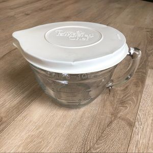The Pampered Chef 1 Quart mixing bowl